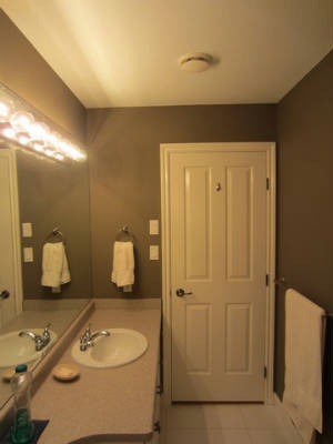 choosing bathroom mirrors